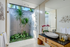 Villa Aramanis - Bamboo, Guest ensuite bathroom two