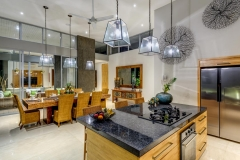Villa Aramanis - Bamboo, Kitchen & dining